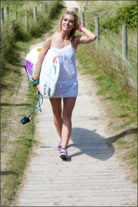 Tehillah McGuinness Pro Surfer. Sport Stylist Style Icon, Athlete and sports model feature and interview with Surfgirl magazine